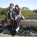 美國Day8上午2(35)金門大橋旁公園座椅記念照~XD~~.jpg