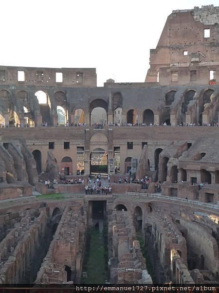 鬥獸場 (Colosseum)