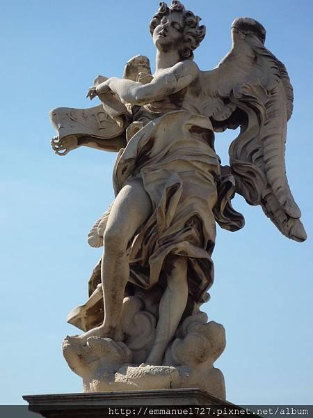 橋樑上12尊天使雕像