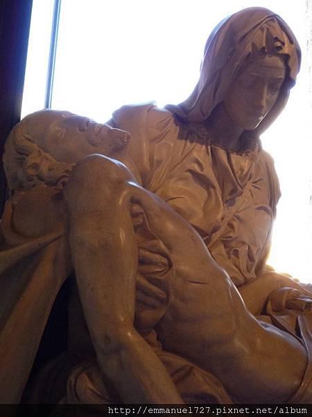 《哀悼基督》(Pietà,亦稱聖母憐子)