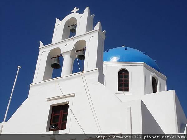 藍頂帽子的白色教堂