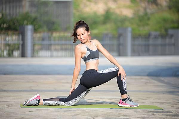 yoga a 5.jpg