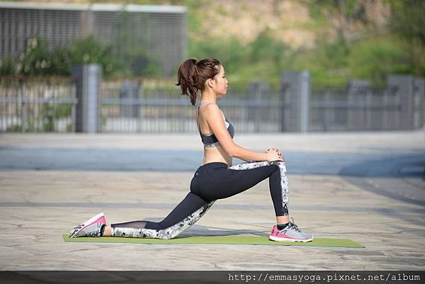 yoga a 2.jpg