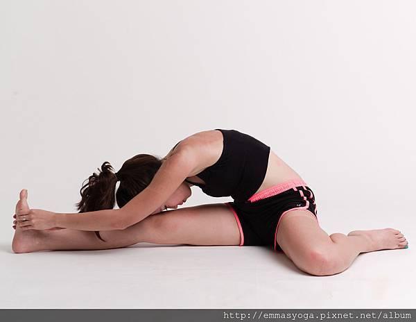 3.雙腳背部伸展3.jpg