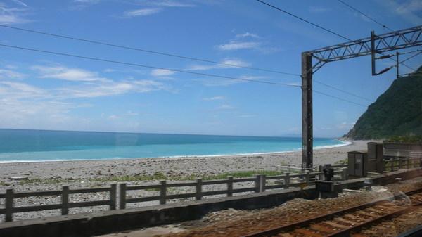 鐵路旁某個不知名的海灣