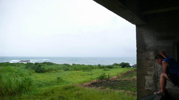 從民宿穿堂望出去的景色。