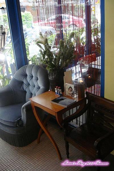 檸檬廚房-沙發候位區.jpg