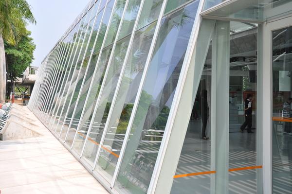 DSC_0027.JPG工程舘玻璃牆
