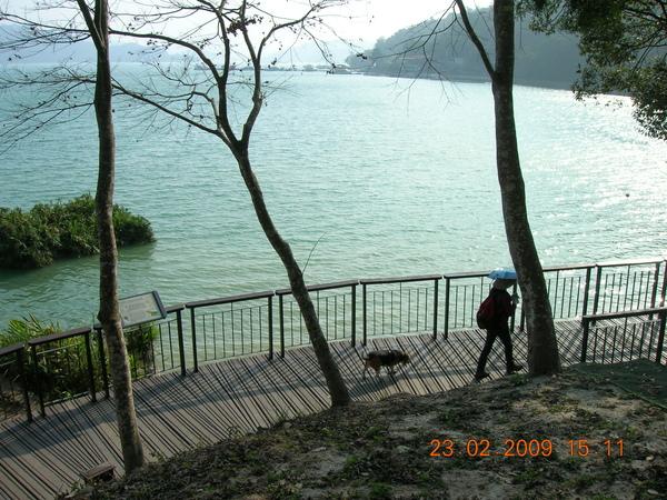 DSCN6184.JPG環湖棧道