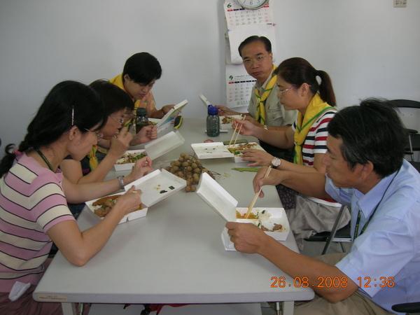 DSCN4288.JPG豐盛午餐