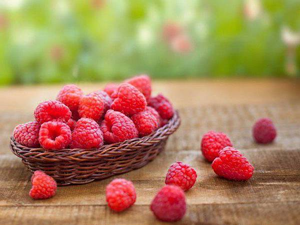 Raspberries-640x479.jpg
