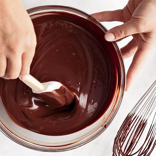 ganache-scrape-bowl-mld107823_sq.jpg