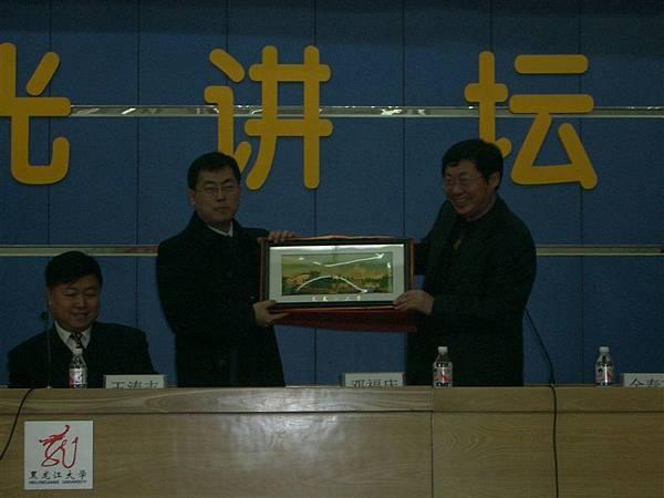左邊是我們的團長-朱榮彬