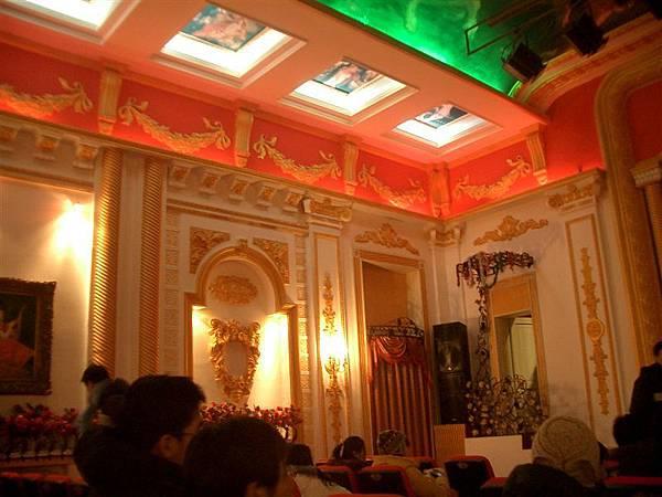 俄羅斯劇場內部-富麗堂皇