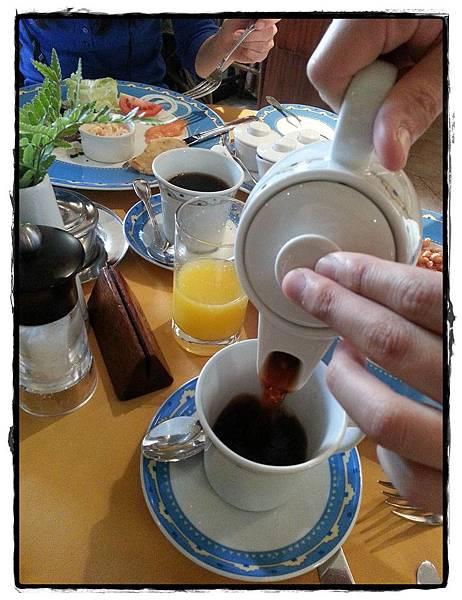 0214-Nairobi飯店早餐茶具