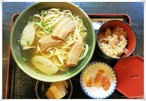 10.08第三天-大家-沖繩麵套餐