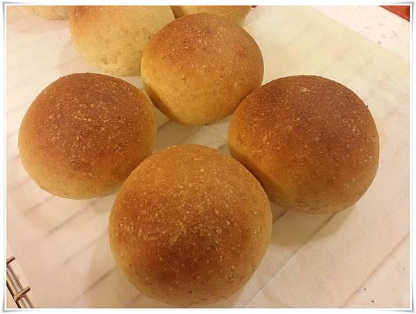 20140308-燕麥乳酪麵包-成品