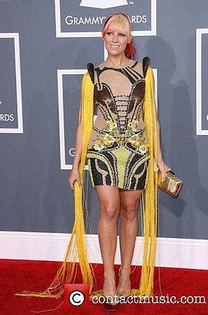 bonnie-mckee-54th-annual-grammy-awards-2012_3727483.jpg