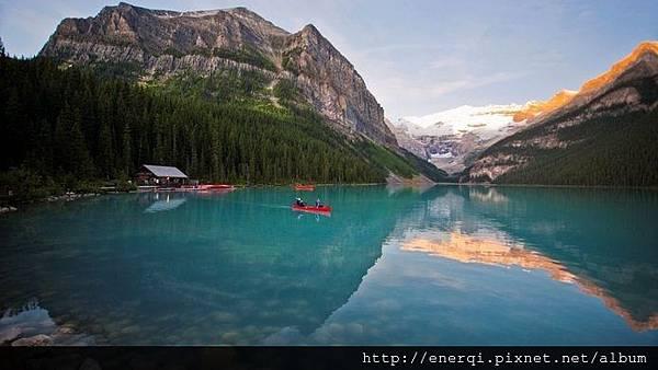 canoe-lake-louise-zizka-5h-sm.jpg.694x390_default.jpg