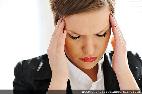 depressed-business-woman_HKB95pBo.jpg