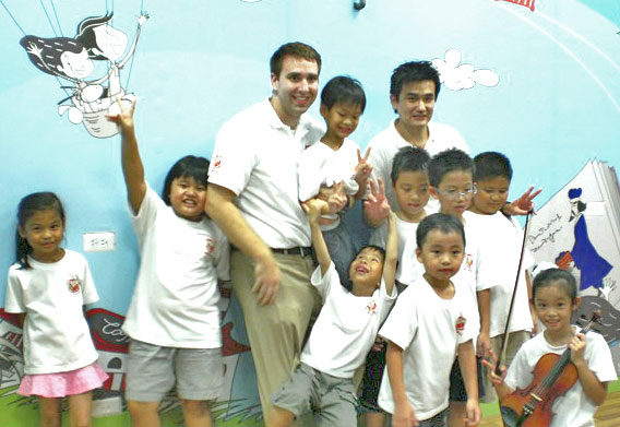 彰化市英語教學「在地化」、「生活化」、「國際化」帶得走的能力