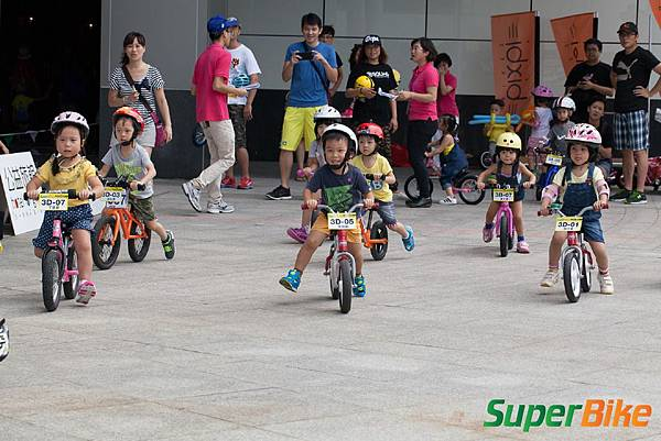 Super PushBIKE 小小騎士滑步挑戰賽小小兵嚕一夏_231