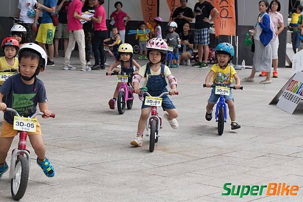 Super PushBIKE 小小騎士滑步挑戰賽小小兵嚕一夏_232