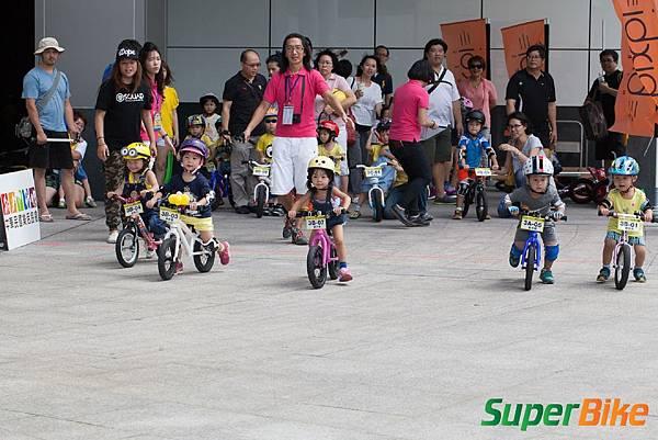 Super PushBIKE 小小騎士滑步挑戰賽小小兵嚕一夏_242