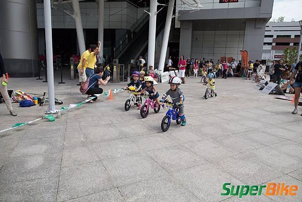 Super PushBIKE 小小騎士滑步挑戰賽小小兵嚕一夏_243