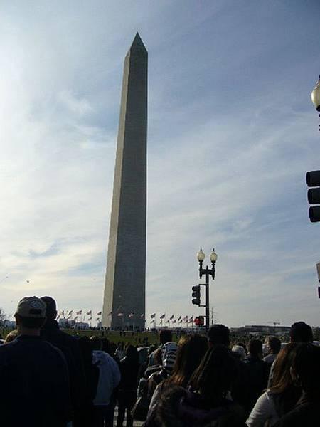 紀念碑又出現了.JPG