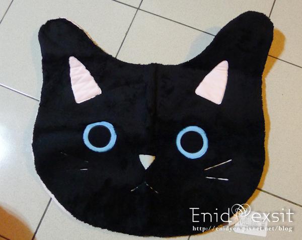 贈品貓頭地毯