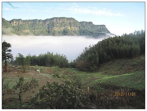 雲海(在觀景涼亭拍攝)