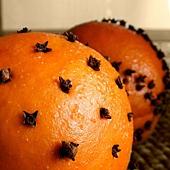clove+studded+oranges.jpg