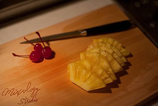 A20-002 鳳梨片與糖漬櫻桃