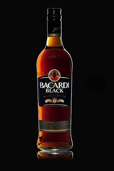 SR012-Bacardi-Black-Bottle