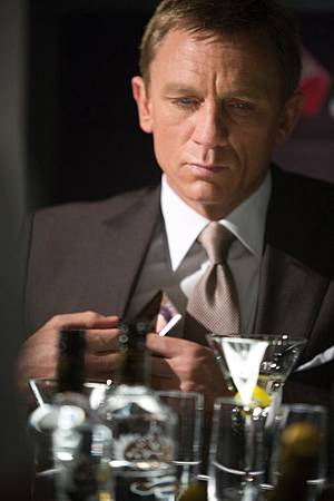 Daniel Craig Virgin Atlantic Quantum of Solace-thumb-500x750