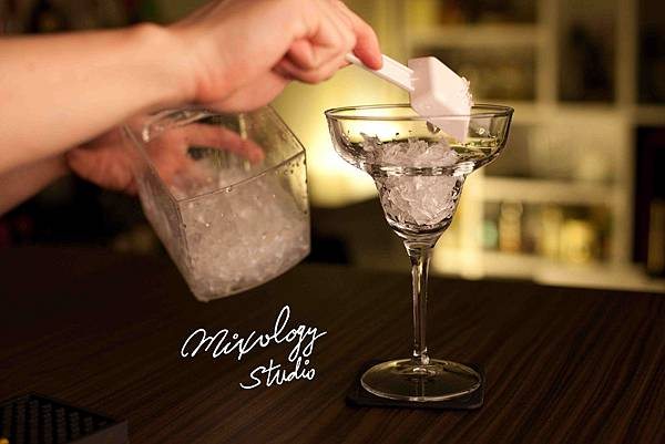 SR050-飛碟杯裝半滿碎冰