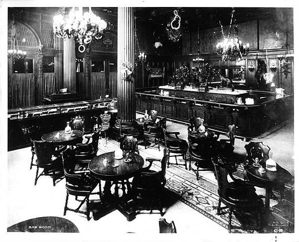P.41-011 Old Waldorf-Astoria Bar