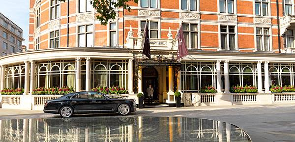 P.45-010  Connaught Hotel