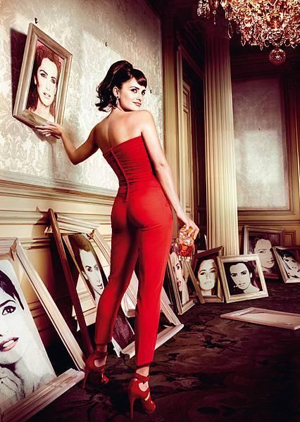 Penelope-Cruz-Campari-2013-Calendar-11.jpg