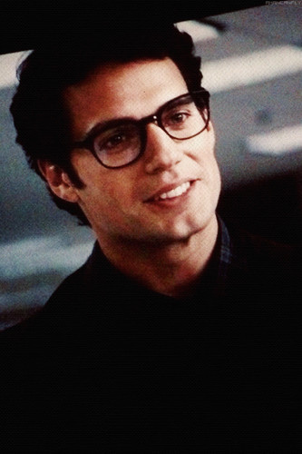 man-of-steel-clark-kent-man-of-steel-34780382-333-500.jpg