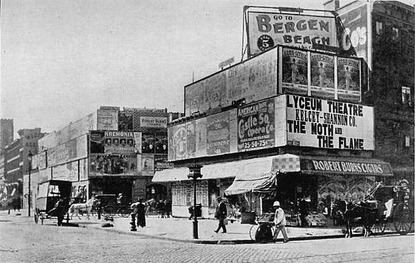 Broadway at 42nd St in 1880.jpg