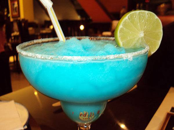 Hard Rock Cafe-BNDQ8-Kuwait-electric margarita.JPG