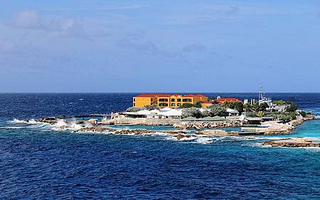 800px-Curacao-Sea-Aquarium-2013.JPG