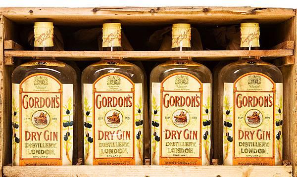 gordons-gin-timeline_bg.jpg