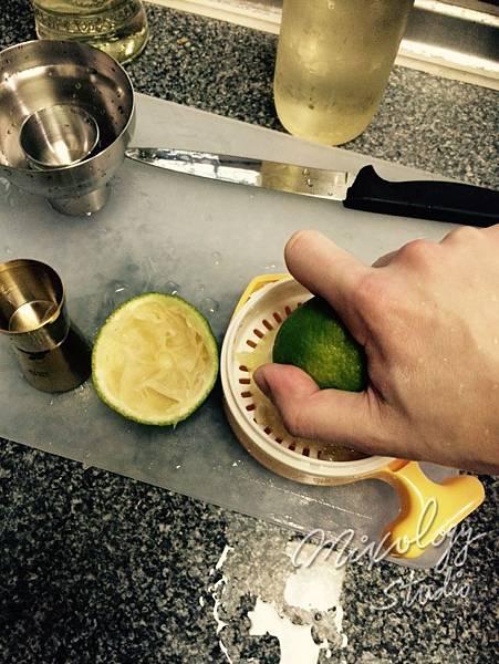 Bar12-06 榨檸檬汁.jpg