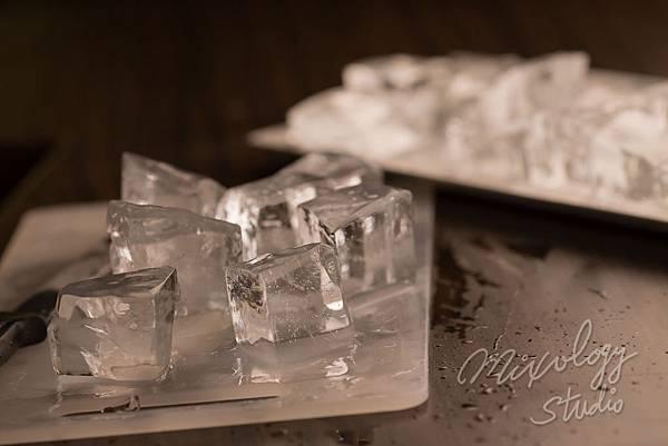 Bar21-03 調酒用冰塊.jpg