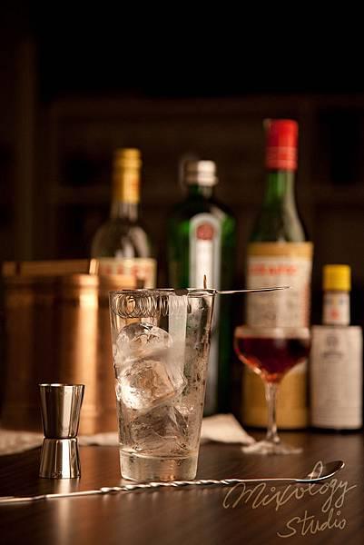 Bar22-04 馬丁尼調酒組.jpg