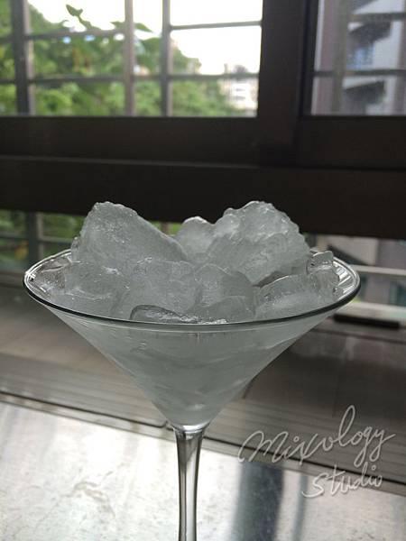 Bar24-02冰塊冰杯.JPG