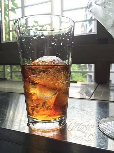 Bar24-07 適量冰塊.JPG
